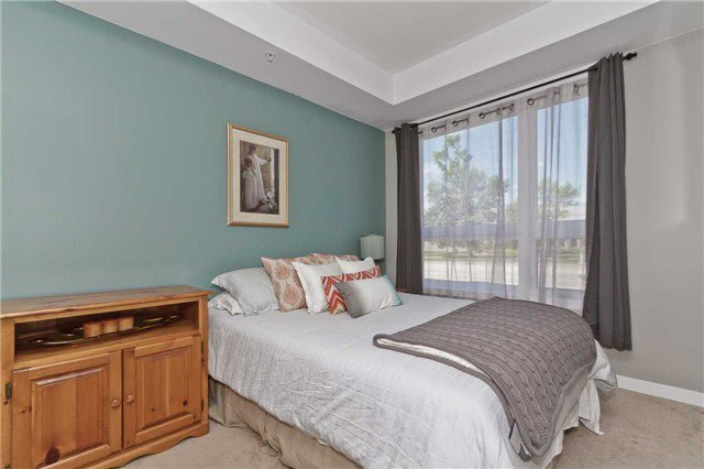 Photo 2: Photos: 113 5020 Corporate Drive in Burlington: Uptown Condo for lease : MLS®# W3508838