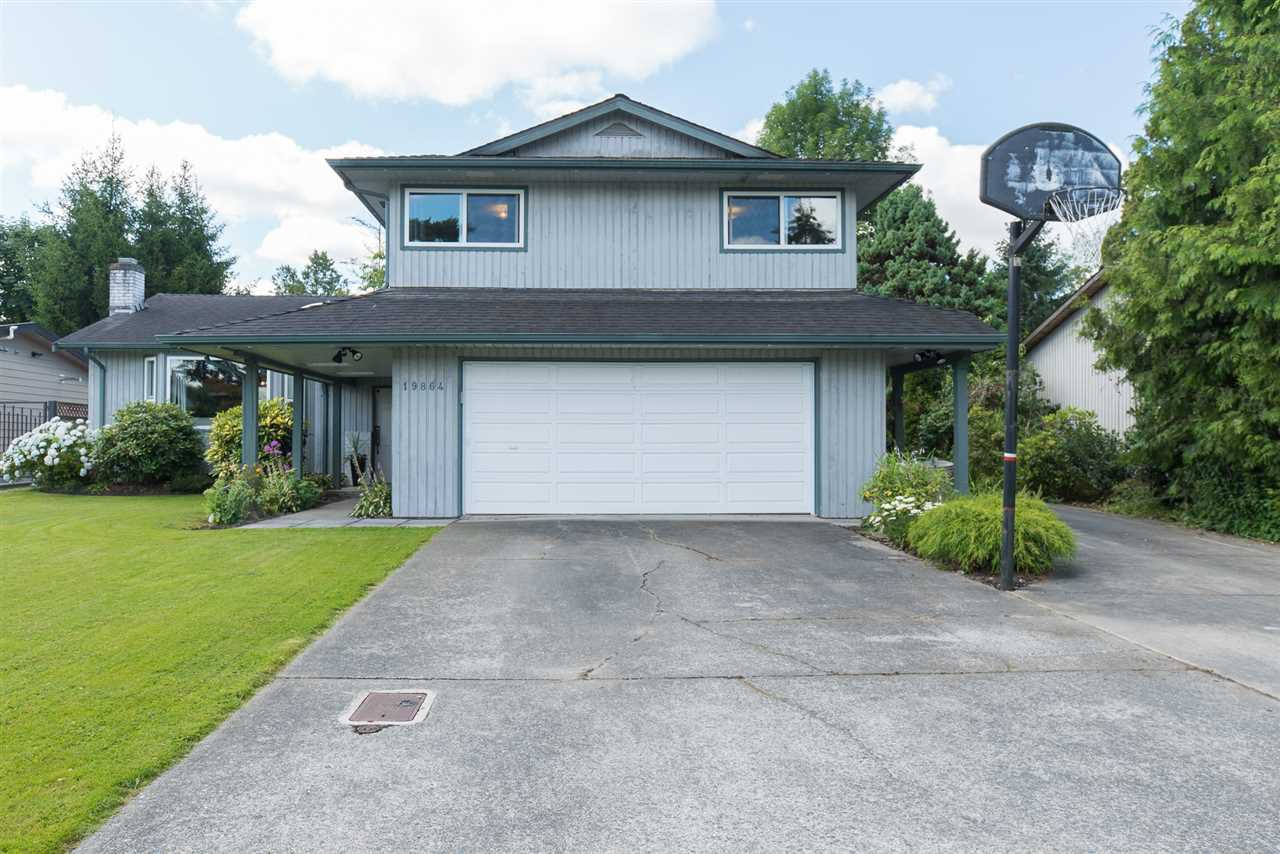"""Main Photo: 19864 48A Avenue in Langley: Langley City House for sale in """"Mason Heights Area"""" : MLS®# R2086596"""