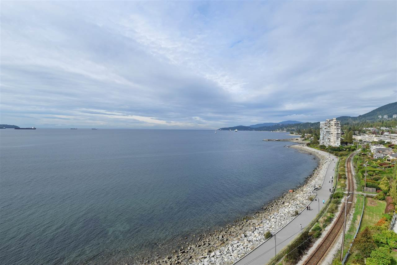 "Main Photo: 6 2250 BELLEVUE Avenue in West Vancouver: Dundarave Condo for sale in ""LES TERRACES"" : MLS®# R2093617"