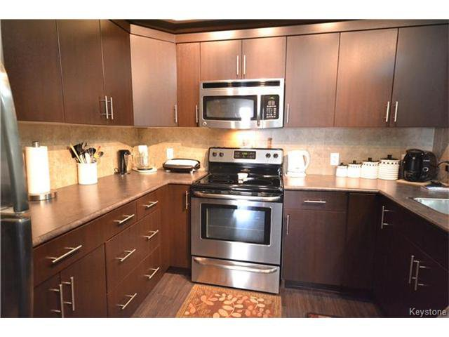 Photo 7: Photos: 1205 St Anne's Road in Winnipeg: River Park South Condominium for sale (2F)  : MLS®# 1702876
