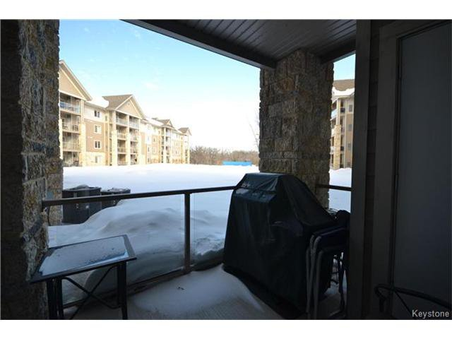 Photo 16: Photos: 1205 St Anne's Road in Winnipeg: River Park South Condominium for sale (2F)  : MLS®# 1702876