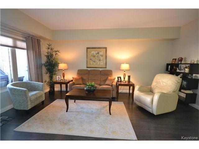 Photo 2: Photos: 1205 St Anne's Road in Winnipeg: River Park South Condominium for sale (2F)  : MLS®# 1702876
