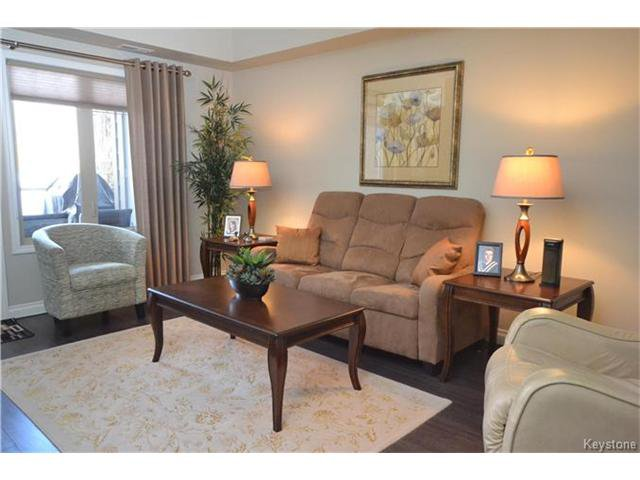 Photo 3: Photos: 1205 St Anne's Road in Winnipeg: River Park South Condominium for sale (2F)  : MLS®# 1702876