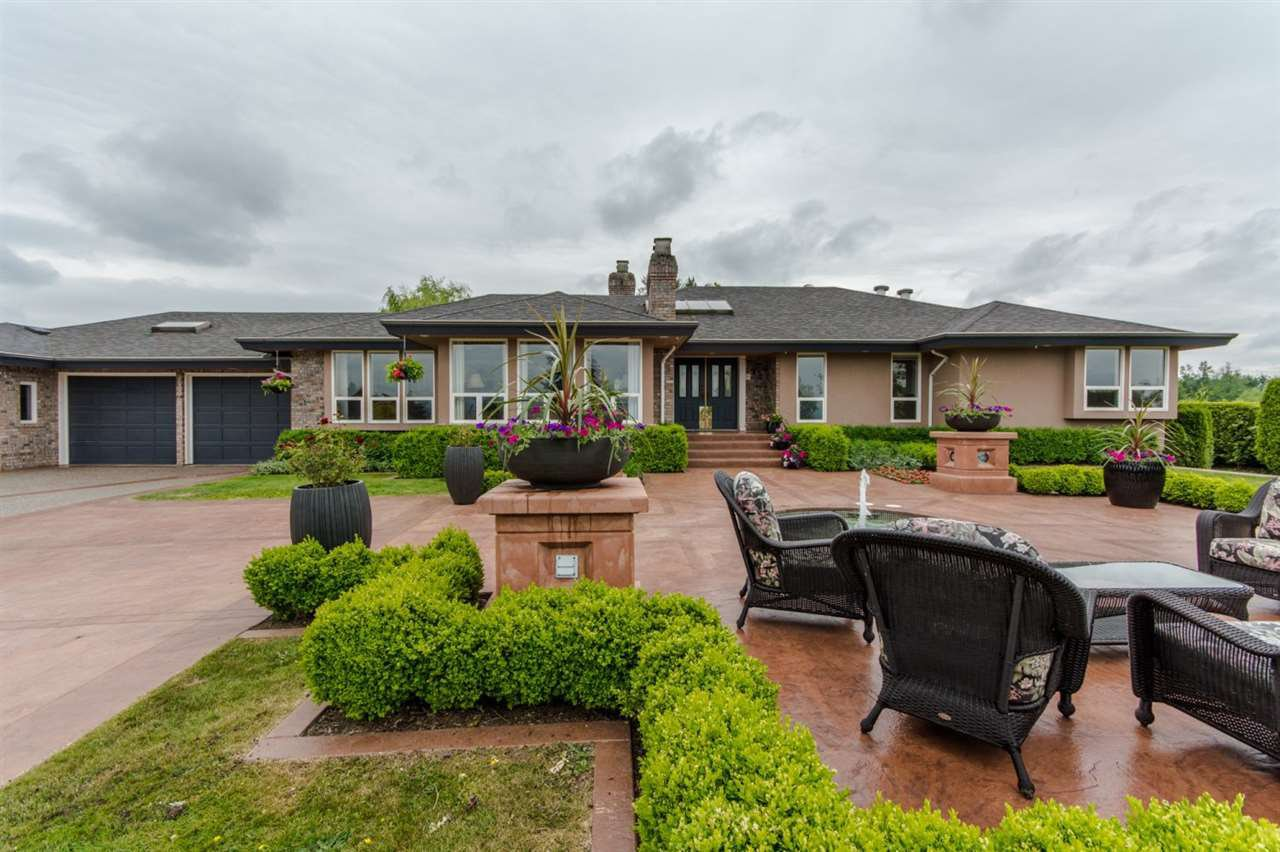 "Main Photo: 31150 POLAR Avenue in Abbotsford: Bradner House for sale in ""POLAR ESTATES"" : MLS®# R2142628"
