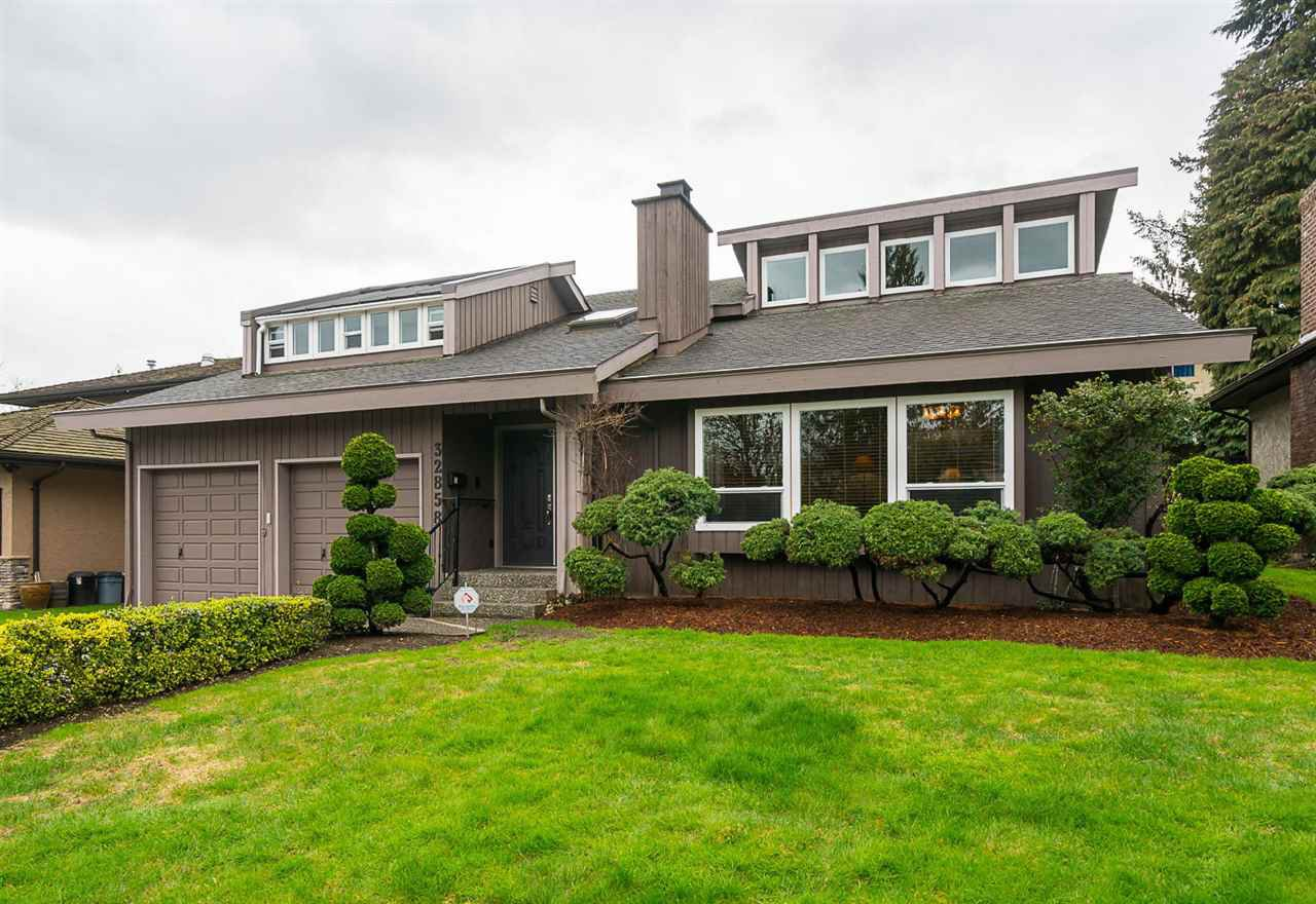 Photo 1: Photos: 32858 ASHLEY Way in Abbotsford: Central Abbotsford House for sale : MLS®# R2154090