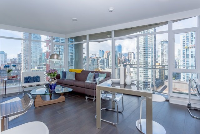 """Main Photo: 2003 1372 SEYMOUR Street in Vancouver: Downtown VW Condo for sale in """"THE MARK"""" (Vancouver West)  : MLS®# R2159400"""