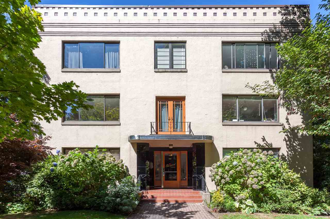 "Main Photo: 202 985 JERVIS Street in Vancouver: West End VW Condo for sale in ""SHERWOOD LODGE"" (Vancouver West)  : MLS®# R2202324"
