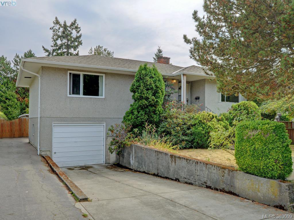 Main Photo: 2837 Admirals Road in VICTORIA: SW Gorge Single Family Detached for sale (Saanich West)  : MLS®# 383009