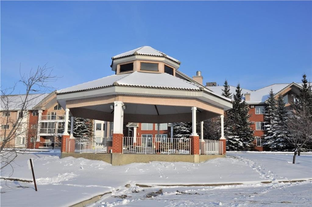 Main Photo: 113 6868 SIERRA MORENA Boulevard SW in Calgary: Signal Hill Condo for sale : MLS®# C4143308