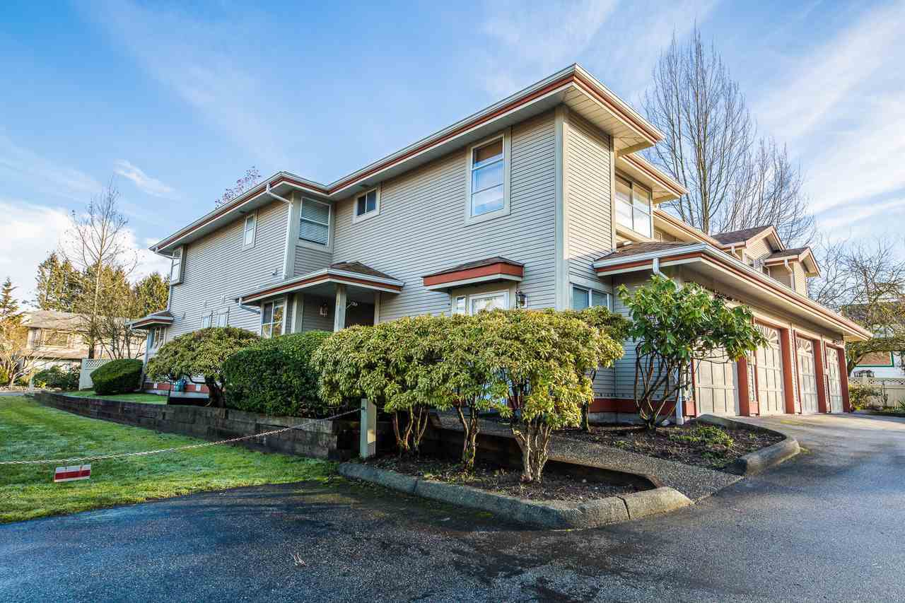 "Main Photo: 7 12071 232B Street in Maple Ridge: East Central Townhouse for sale in ""Creekside Glen"" : MLS®# R2232376"