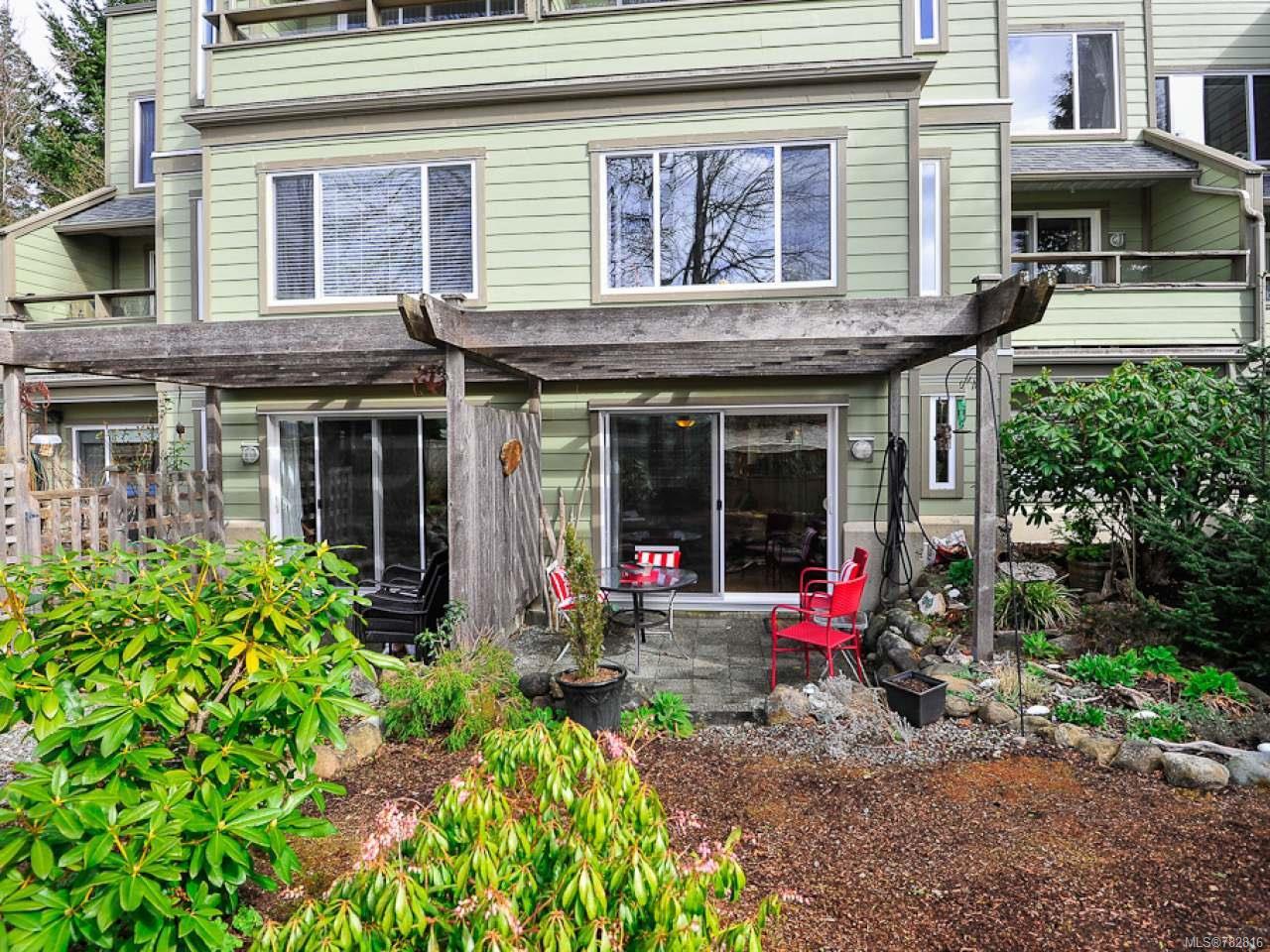 Main Photo: 108C 2250 Manor Pl in COMOX: CV Comox (Town of) Condo for sale (Comox Valley)  : MLS®# 782816