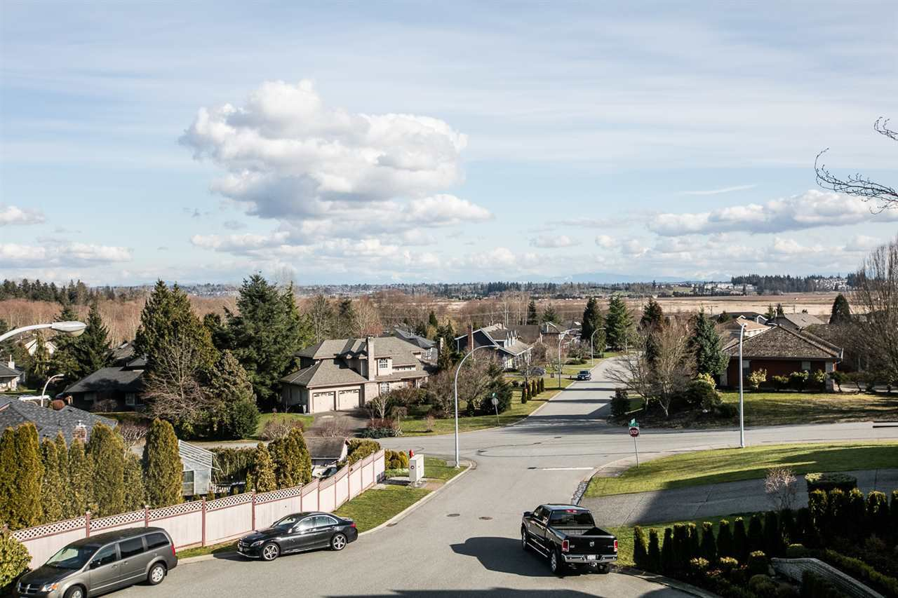Main Photo: 15032 73B Avenue in Surrey: East Newton House for sale : MLS®# R2252591