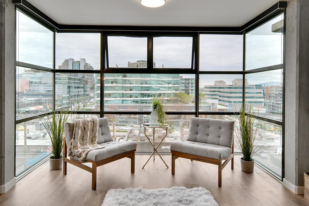 "Main Photo: PH 704 428 W 8TH Avenue in Vancouver: Mount Pleasant VW Condo for sale in ""XL LOFTS"" (Vancouver West)  : MLS®# R2265989"