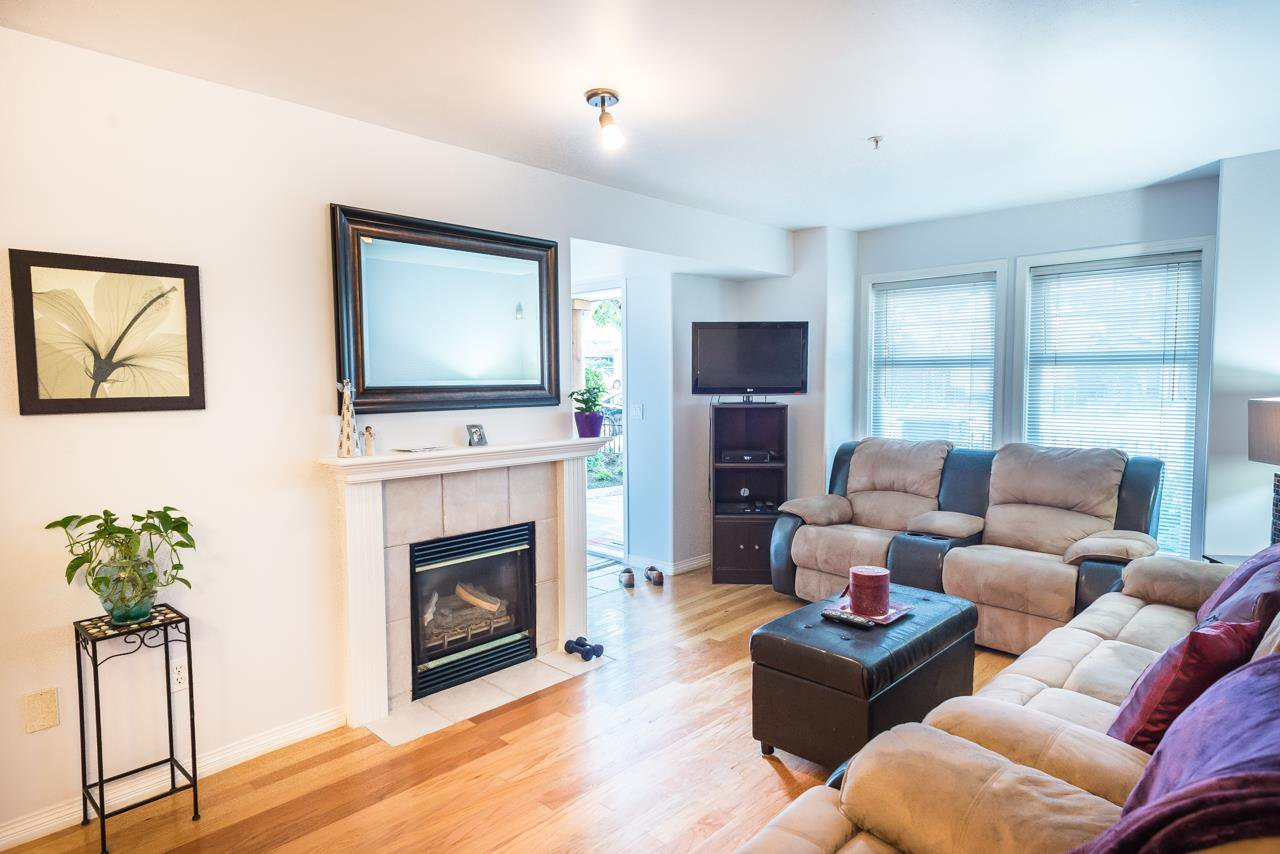 """Photo 4: Photos: 27 15442 16A Avenue in Surrey: King George Corridor Townhouse for sale in """"Carleton Court"""" (South Surrey White Rock)  : MLS®# R2280118"""