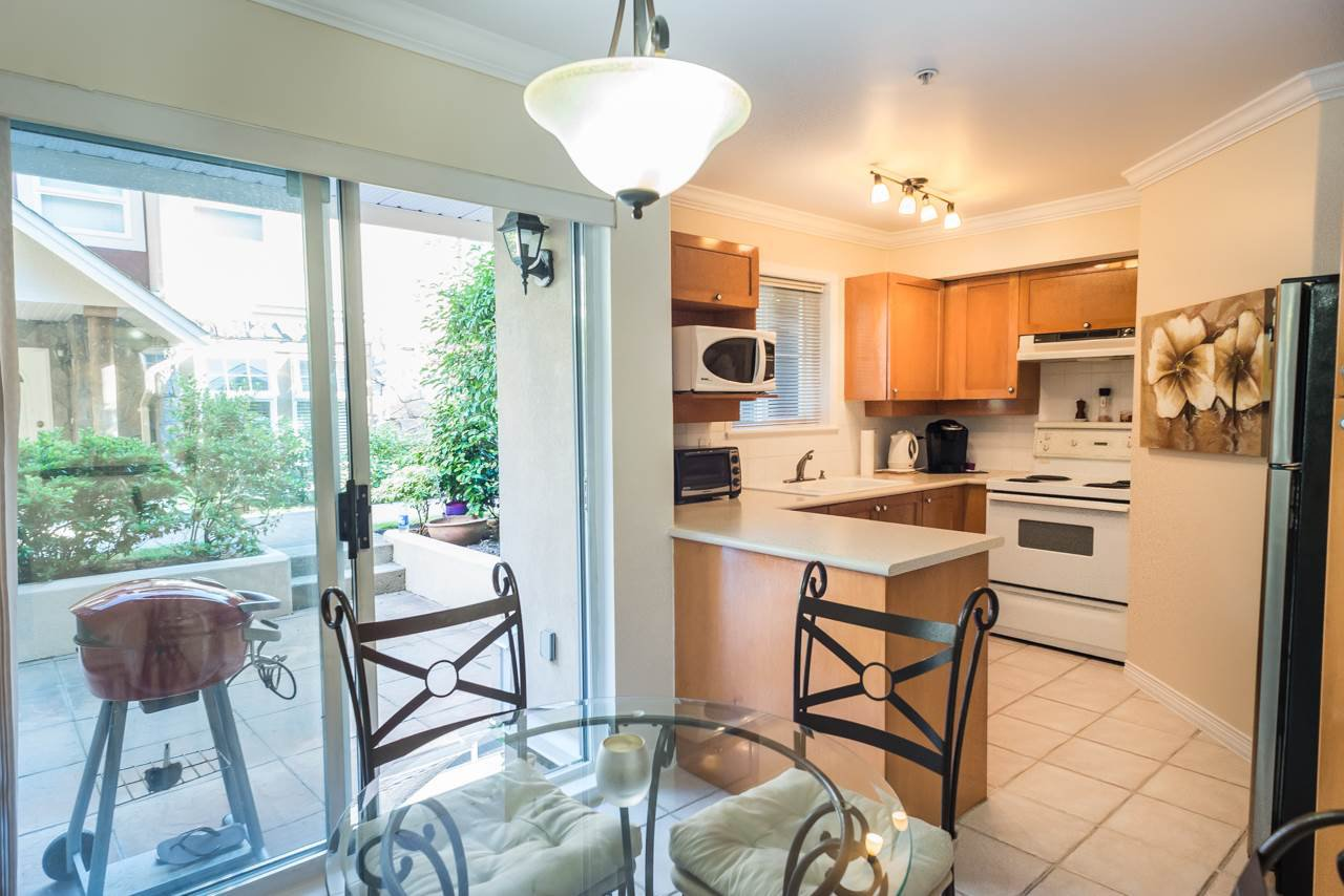 """Photo 5: Photos: 27 15442 16A Avenue in Surrey: King George Corridor Townhouse for sale in """"Carleton Court"""" (South Surrey White Rock)  : MLS®# R2280118"""