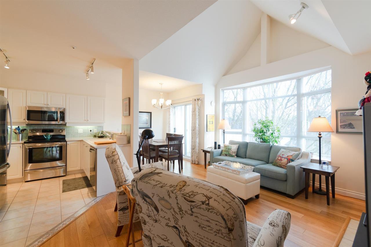 "Main Photo: 408 2755 MAPLE Street in Vancouver: Kitsilano Condo for sale in ""DAVENPORT LANE"" (Vancouver West)  : MLS®# R2325862"