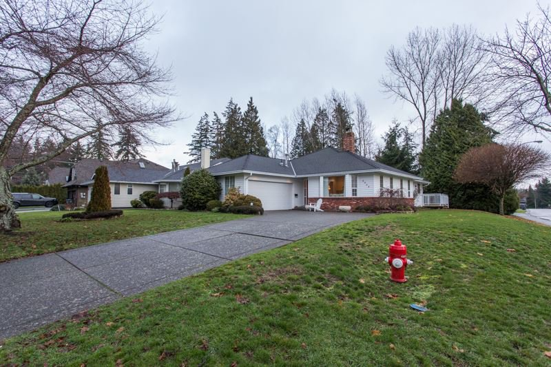 Main Photo: 2364 150B Street in Surrey: Sunnyside Park Surrey House for sale (South Surrey White Rock)  : MLS®# R2327542
