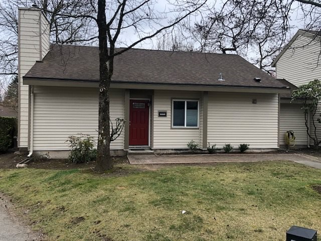 "Main Photo: 6169 W GREENSIDE Drive in Surrey: Cloverdale BC Townhouse for sale in ""Greenside"" (Cloverdale)  : MLS®# R2351893"