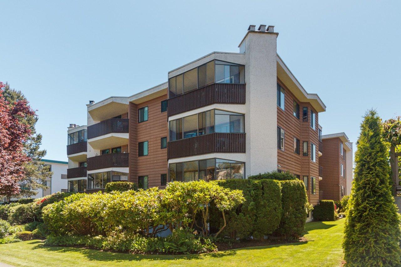 Main Photo: 306 1031 Burdett Avenue in VICTORIA: Vi Downtown Condo Apartment for sale (Victoria)  : MLS®# 411414