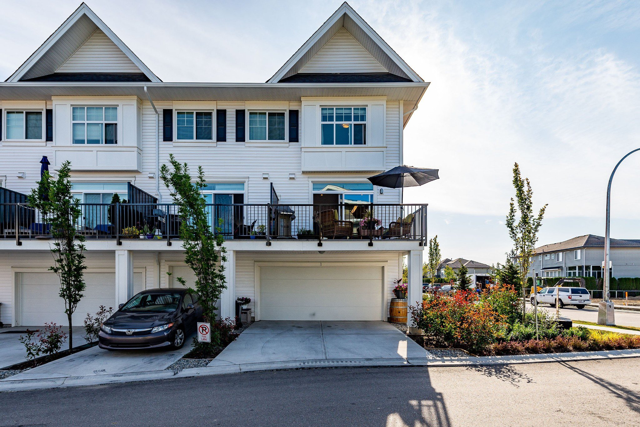 "Photo 44: Photos: 1 27735 ROUNDHOUSE Drive in Abbotsford: Aberdeen Townhouse for sale in ""ROUNDHOUSE"" : MLS®# R2398664"