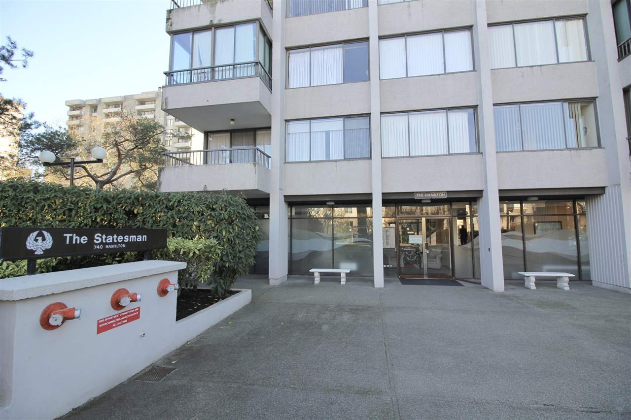 "Main Photo: 1204 740 HAMILTON Street in New Westminster: Uptown NW Condo for sale in ""THE STATESMAN"" : MLS®# R2411737"