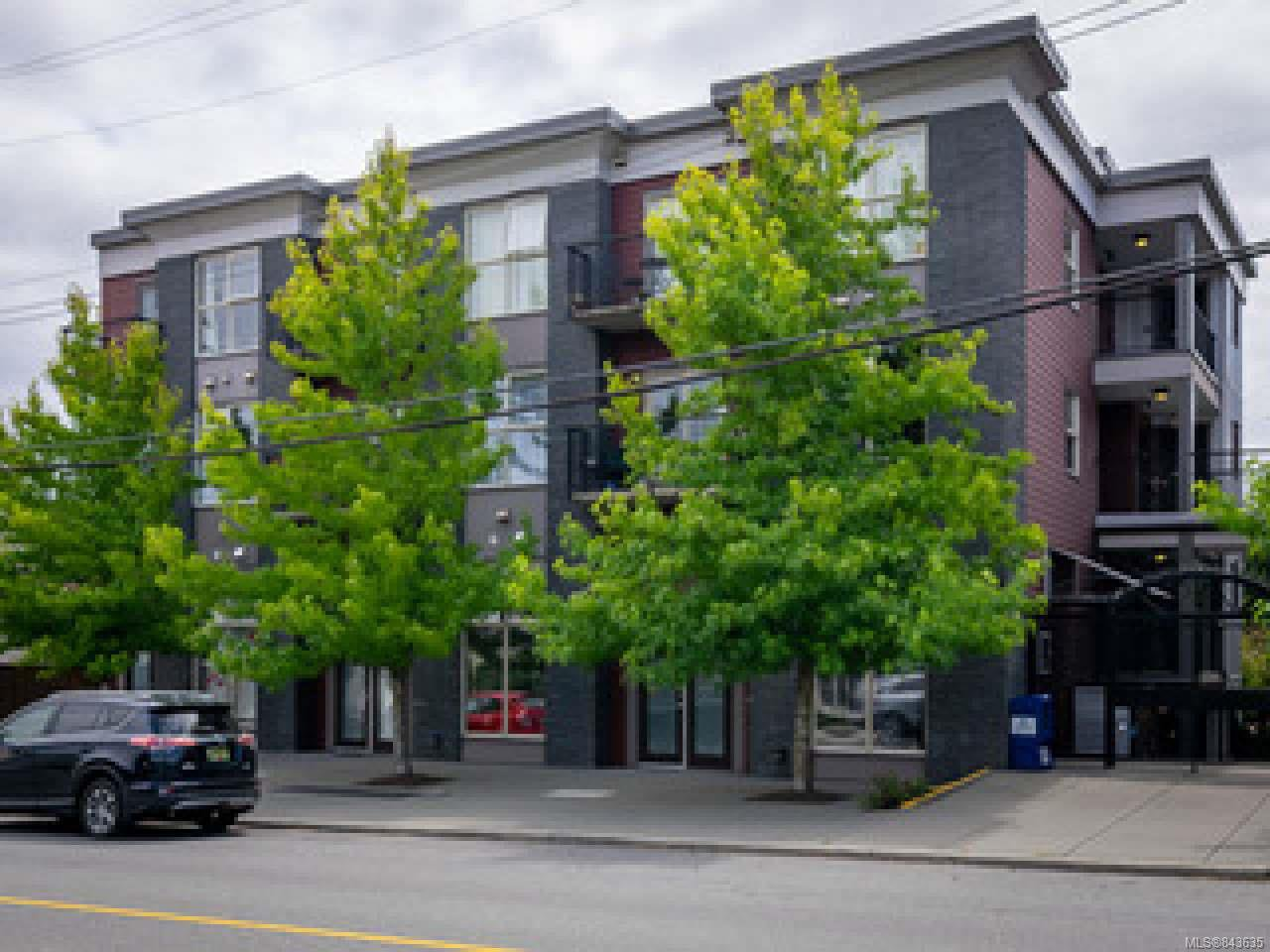 Main Photo: 404 555 Franklyn St in NANAIMO: Na Old City Condo Apartment for sale (Nanaimo)  : MLS®# 843635