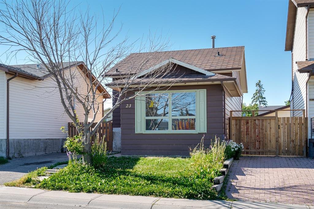Main Photo: 23 Whitmire Road NE in Calgary: Whitehorn Detached for sale : MLS®# A1024740