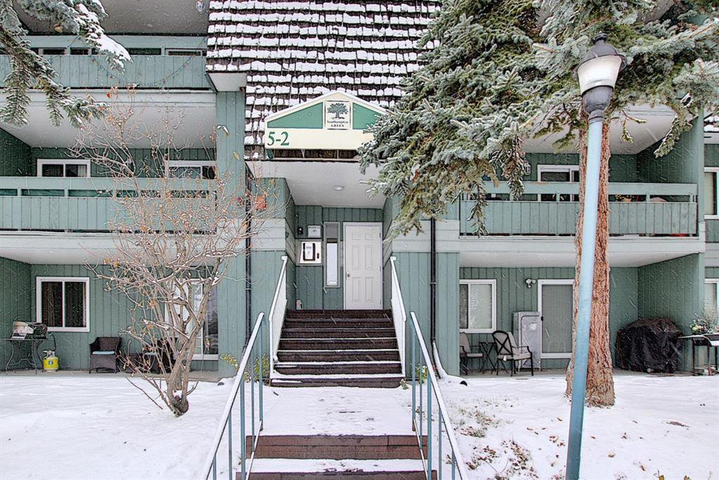Main Photo: 5208 5208-315 Southampton Drive SW in Calgary: Southwood Apartment for sale : MLS®# A1059151