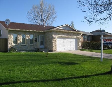 Main Photo: 61 WALTER COPP in WINNIPEG: Residential for sale (Valley Gardens)  : MLS®# 2908805