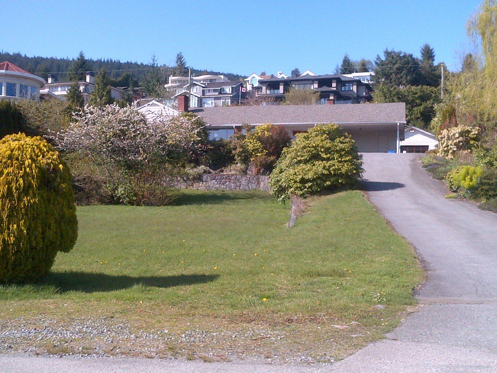 Main Photo: 925 Fairmile Rd in West Vancouver: Chartwell House for sale