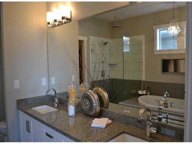 """Photo 6: Photos: 21055 78A Avenue in Langley: Willoughby Heights House for sale in """"YORKSON SOUTH"""" : MLS®# F1324119"""