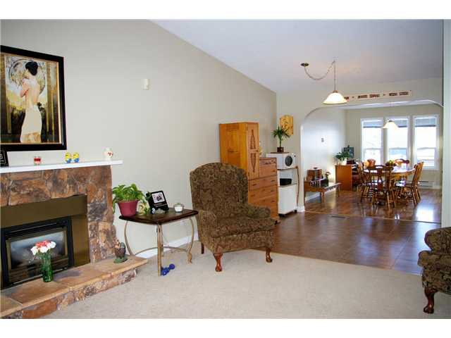 Photo 4: Photos: 6232 TRENT Drive in Prince George: Lower College House for sale (PG City South (Zone 74))  : MLS®# N233839