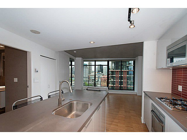 "Main Photo: 1906 108 W CORDOVA Street in Vancouver: Downtown VW Condo for sale in ""Woodwards W32"" (Vancouver West)  : MLS®# V1121064"
