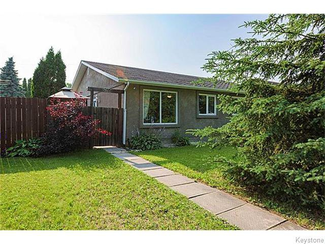 Main Photo: 872 Wayoata Street in WINNIPEG: Transcona Residential for sale (North East Winnipeg)  : MLS®# 1525029