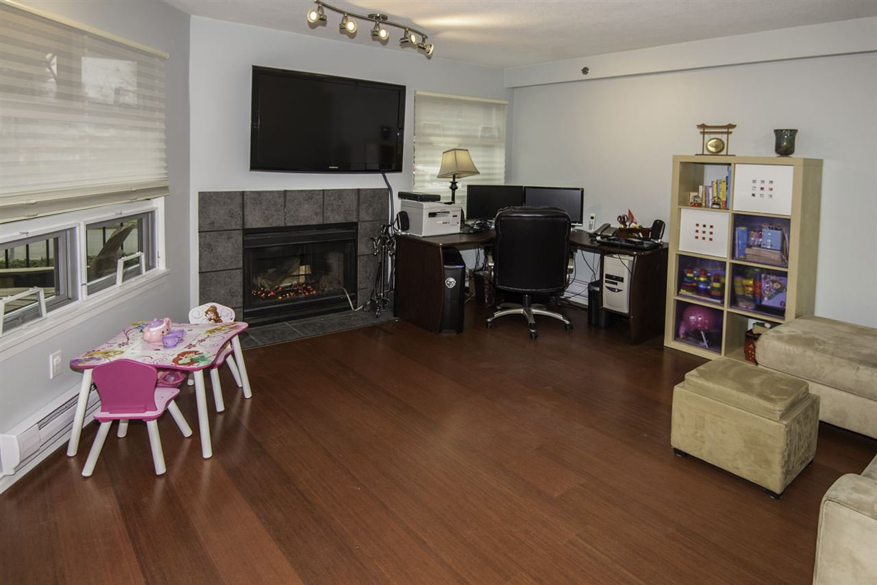"Photo 2: Photos: 4 1350 W 6TH Avenue in Vancouver: Fairview VW Townhouse for sale in ""PEPPER RIDGE"" (Vancouver West)  : MLS®# R2012322"