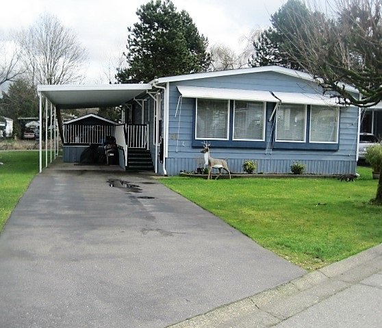 """Main Photo: 31 145 KING EDWARD Street in Coquitlam: Maillardville Manufactured Home for sale in """"MILL CREEK VILLAGE"""" : MLS®# R2037599"""