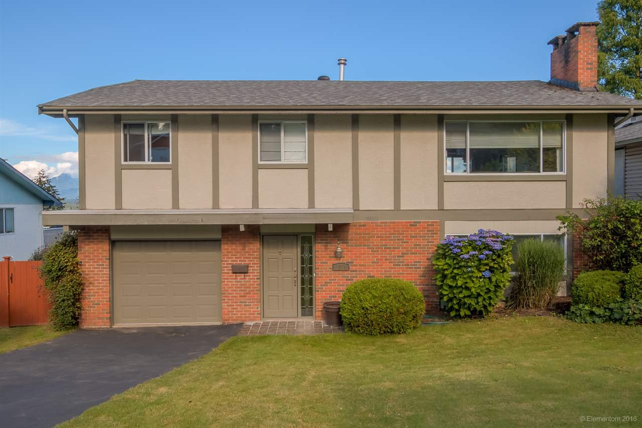 Main Photo: 3159 BEACON Drive in Coquitlam: Ranch Park House for sale : MLS®# R2090433