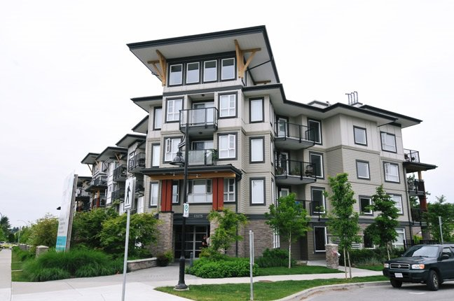 "Main Photo: 406 12075 EDGE Street in Maple Ridge: East Central Condo for sale in ""EDGE ON EDGE"" : MLS®# R2094670"