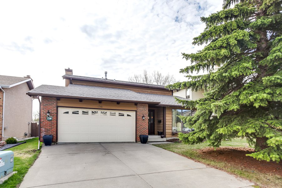 Main Photo: 156 Coachwood Cr SW in Calgary: Storey for sale : MLS®# C3617157