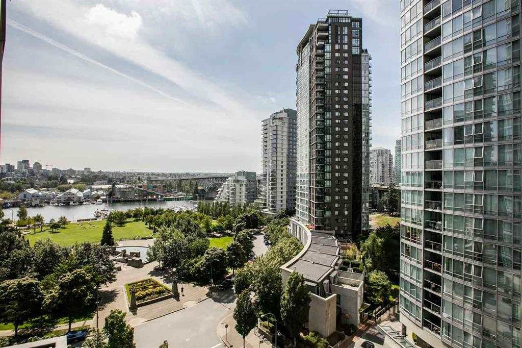 """Main Photo: 1105 1438 RICHARDS Street in Vancouver: Yaletown Condo for sale in """"AZURA 1"""" (Vancouver West)  : MLS®# R2109141"""