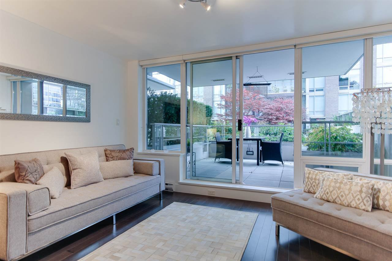 """Main Photo: 501 535 SMITHE Street in Vancouver: Downtown VW Condo for sale in """"Dolce at Symphony Place"""" (Vancouver West)  : MLS®# R2121616"""