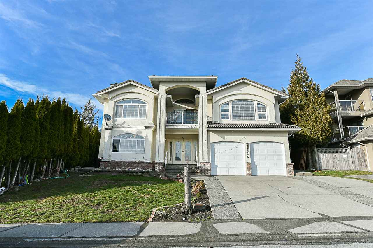 Main Photo: 31265 COGHLAN Place in Abbotsford: Abbotsford West House for sale : MLS®# R2171038