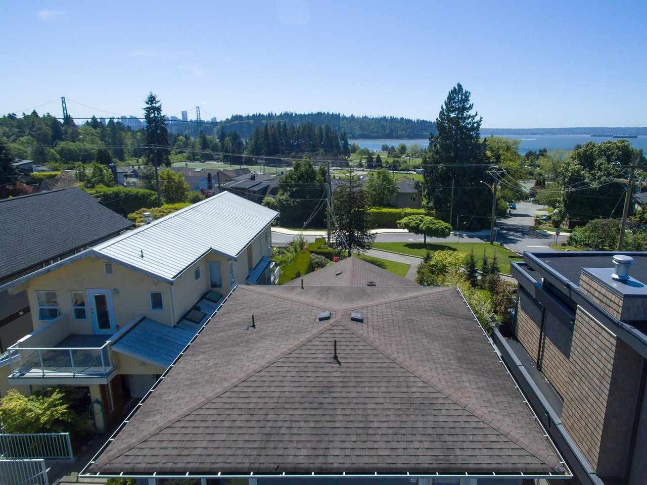 """Main Photo: 1193 KEITH Road in West Vancouver: Ambleside House for sale in """"Ambleside"""" : MLS®# R2177319"""