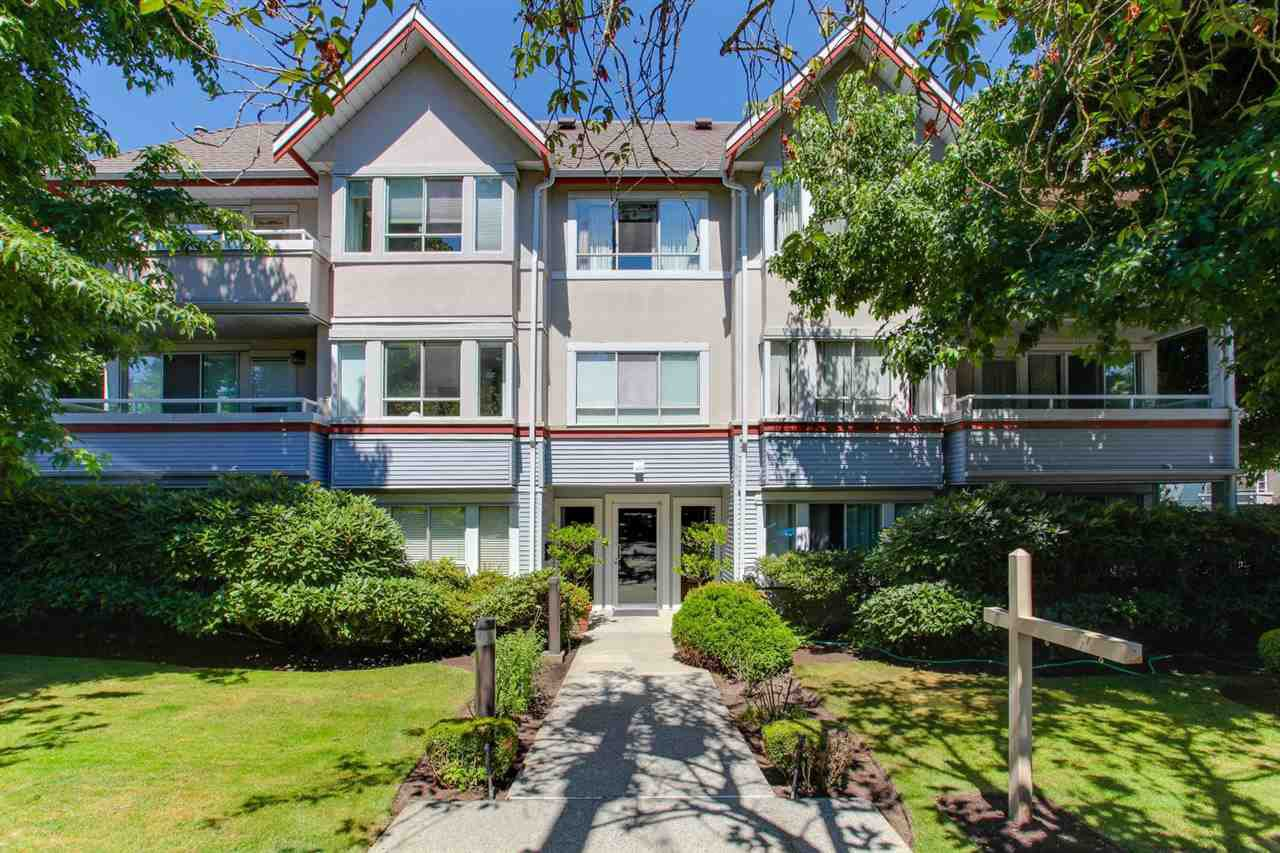 "Main Photo: 206 1845 W 7TH Avenue in Vancouver: Kitsilano Condo for sale in ""HERITAGE ON CYPRESS"" (Vancouver West)  : MLS®# R2196440"