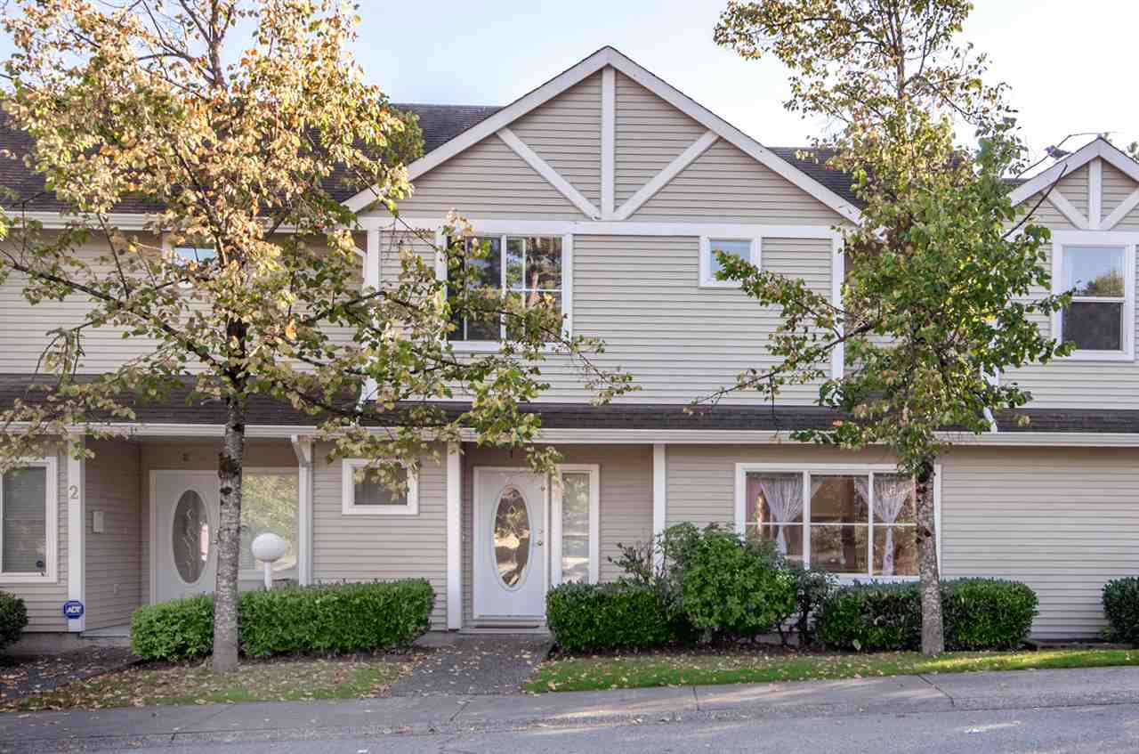 "Main Photo: 1 14788 105A Avenue in Surrey: Guildford Townhouse for sale in ""Glenwood Gate"" (North Surrey)  : MLS®# R2210414"