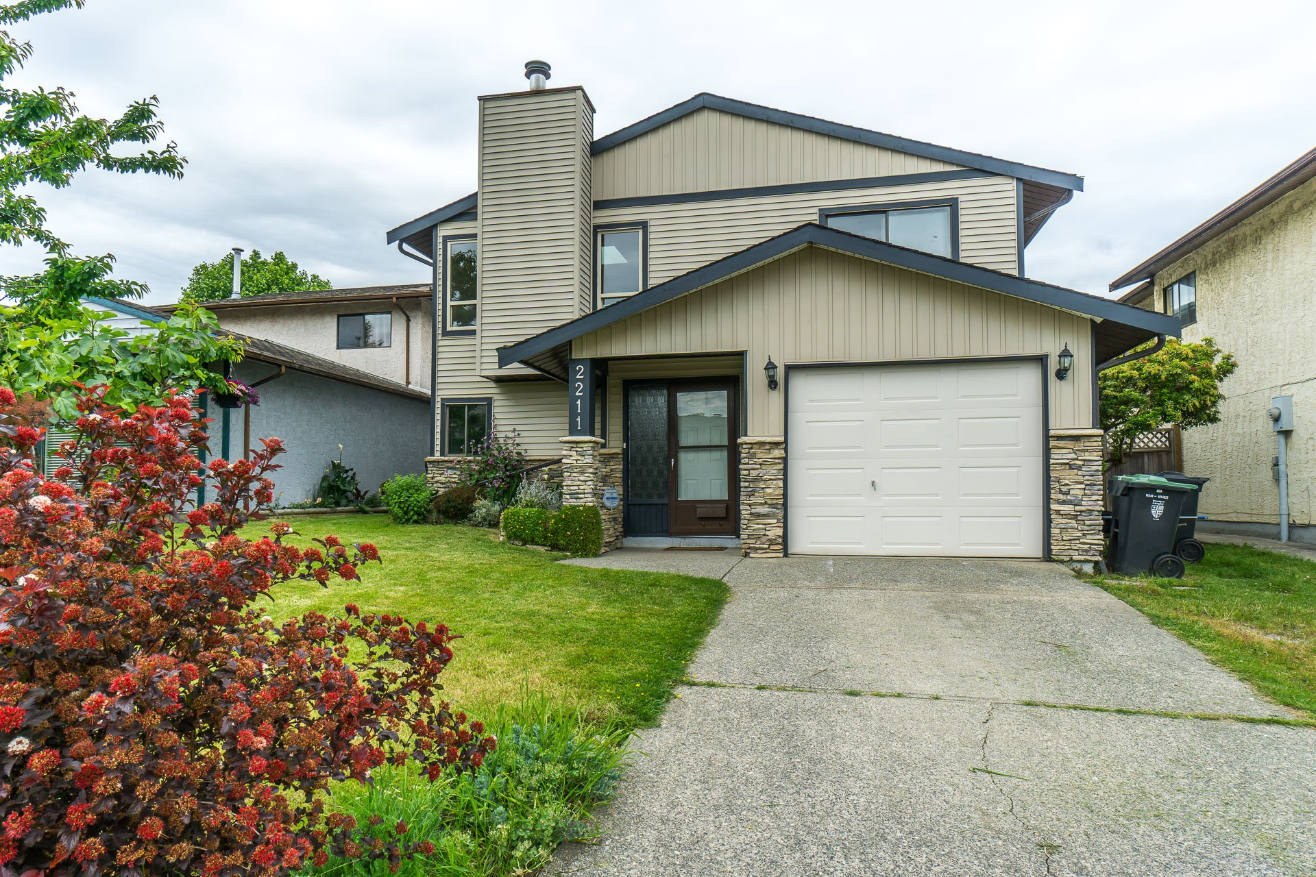 Welcome to 2211 Willoughby Way, Langley, BC in the Langley Meadows subdivision!