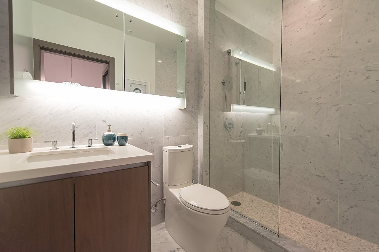 """Photo 11: Photos: 2055 38 SMITHE Street in Vancouver: Downtown VW Condo for sale in """"One Pacific"""" (Vancouver West)  : MLS®# R2310342"""