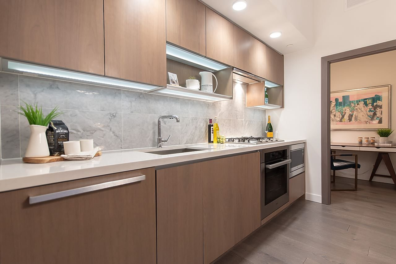 """Photo 7: Photos: 2055 38 SMITHE Street in Vancouver: Downtown VW Condo for sale in """"One Pacific"""" (Vancouver West)  : MLS®# R2310342"""