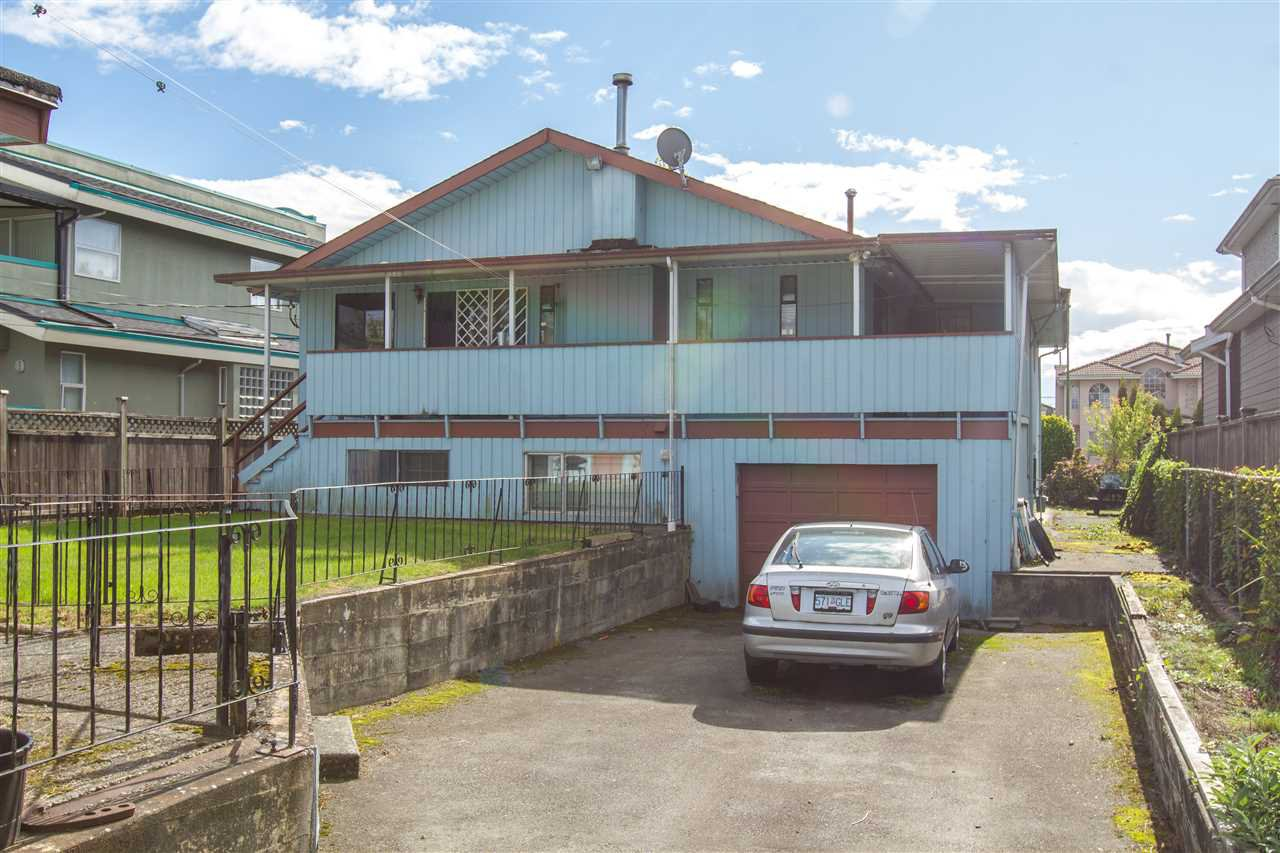 Main Photo: 2385 E 54TH Avenue in Vancouver: Killarney VE House for sale (Vancouver East)  : MLS®# R2336292