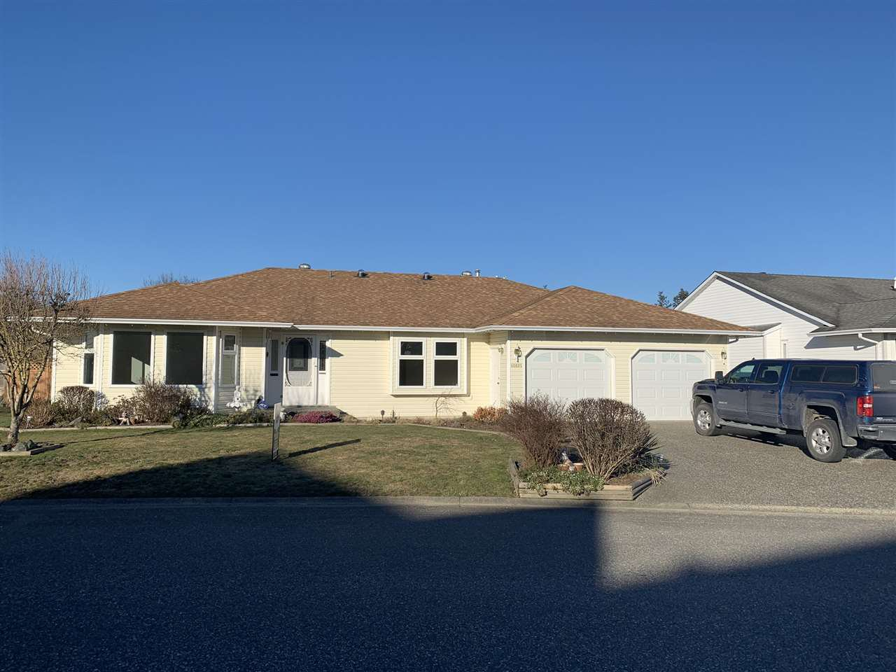 Main Photo: 46605 RAMONA Drive in Chilliwack: Chilliwack E Young-Yale House for sale : MLS®# R2337892